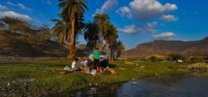 برودة سراة الباحة تدفع الاهالي لدفء تهامة وجمال منتزهاتها