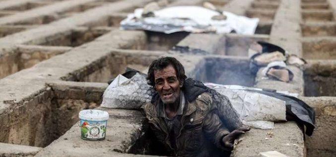 الإيرانيون يسكنون المقابر ولا يخرجون إلا للتسول