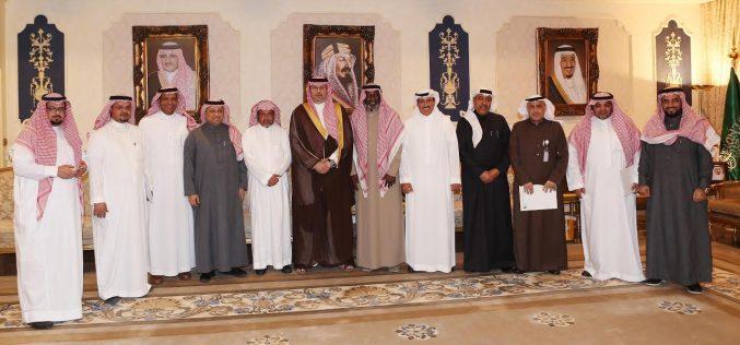 رئيس هيئة الرياضة يلتقي رئيس وأعضاء جمعية أصدقاء لاعبي كرة القدم الخيرية