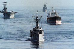 """طلقات تحذيرية من البحرية الأمريكية على سفن إيرانية قرب"""" هرمز"""""""