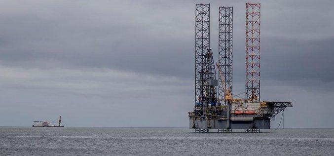 النفط يرتفع بالطلب الصيني وتخفيض أوبك للإنتاج