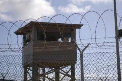 سجناء من جوانتانامو يصلون السعودية خلال ساعات