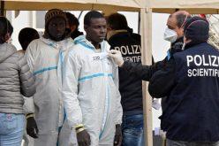 لماذا تسرع إيطاليا في طرد المهاجرين بعد إنقاذهم؟