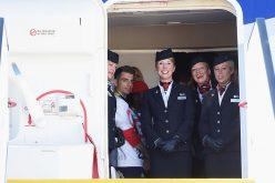 أعضاء بشرية تمنع الركاب من خلع أحذيتهم بالطائرة !