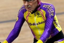 معمّر فرنسي يقطع بدراجته 22 كلم خلال ساعة