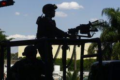 صاحب النظارة السوداء يصيب موظف بالقنصلية الأمريكية بالمكسيك بالرصاص