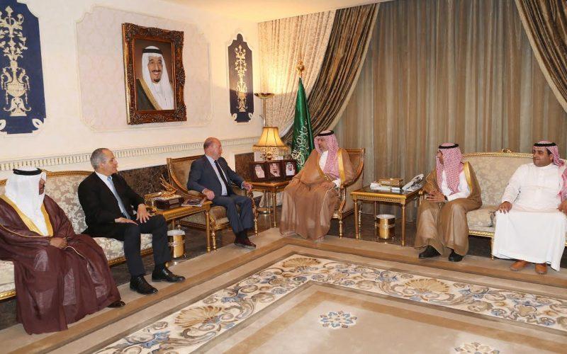 عبدالله بن مساعد يستقبل رئيس الاتحاد الدولي للكاراتيه