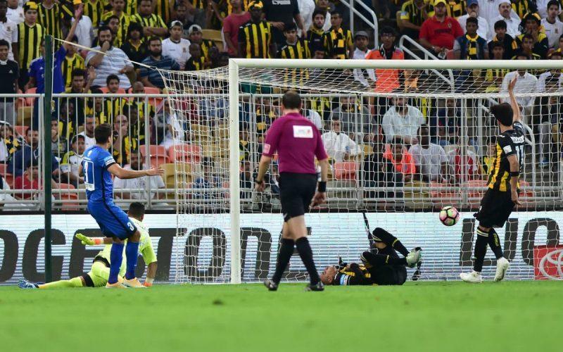 إماراتية عن هدف الهلال: عندما تخسر كرة القدم أجمل معانيها!
