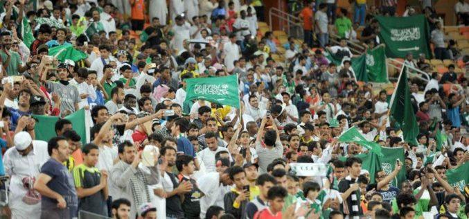 نادي الأهلي يتكفل بشراء 10 اللاف تذكرة للقاء الأخضر بالعراق وقرب نفاد التذاكر