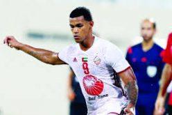 """مهاجم الاتحاد السابق """"ريفاس"""" ينافس على جائزة الكرة الذهبية في الإمارات"""