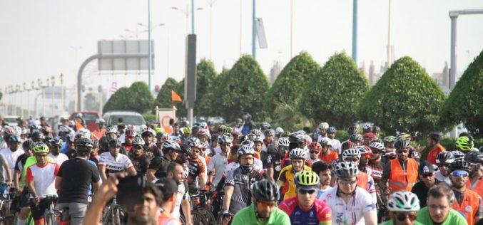 أكثر من 300 دراج يحتفون باليوم العالمي للرياضة على كورنيش الدمام