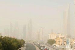 تحذير من رياح مثيرة للغبار والسحب الممطرة على 5 مناطق