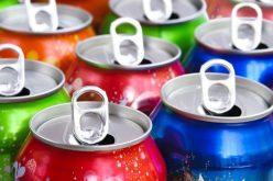 دراسة: تناول المشروبات الغازية يوميًا قد يسرع من شيخوخة الدماغ