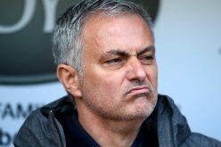 مورينيو يحظر على لاعبيه مواقع التواصل الاجتماعي قبل المباريات