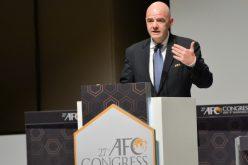 """رئيس """"فيفا"""" يشيد بدور آسيا في كرة القدم العالمية"""