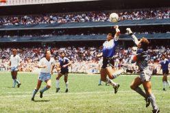 """وفاة حكم مباراة """"يد"""" مارادونا في مونديال 1986"""