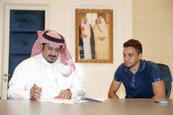 """رئيس نادي الهلال يوقع مع """"إدواردو"""" تمديد عقده حتّى ٢٠٢٠"""