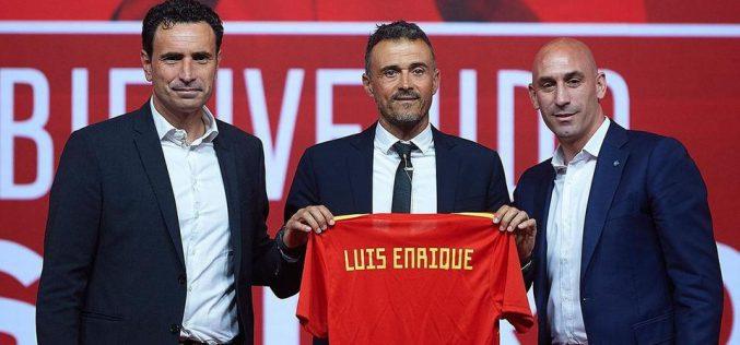إنريكي يصدم الجماهير ويبعد نجوما من قائمة إسبانيا