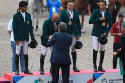 الفريق السعودي للفروسية يتوج بذهبية قفز الحواجز للفرق
