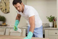 زوجة تبحث عن موظفة تعلم زوجها أعمال المنزل