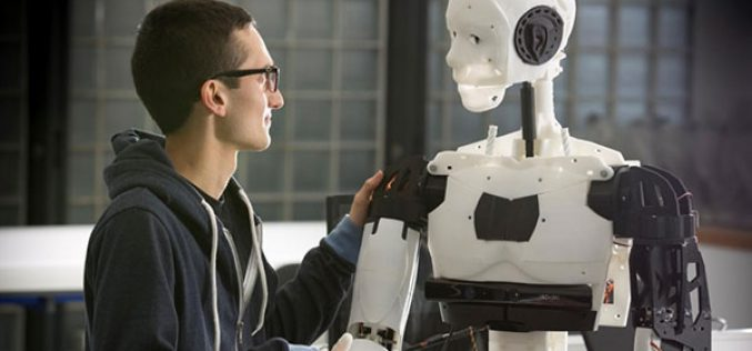 جامعات أوروبية تدرب طلابها على العمل مع الروبوتات