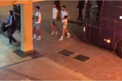 بالفيديو..لحظة وصول المنتخب الأرجنتيتي إلى ملعب المباراة