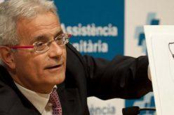 طبيب برشلونة يعالج إصابة عموري