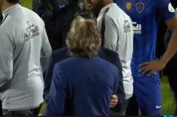 بالفيديو .. مشادة بين جيسوس الهلال ومدرب التعاون بعد المباراة