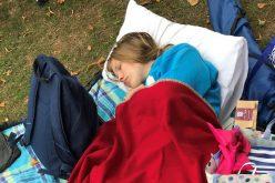 بسبب حالة صحية نادرة .. تنام أكثر من 20 ساعة في اليوم !