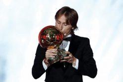 """""""فرانس فوتبول"""": لوكا مودريتش يفوز بالكرة الذهبية"""