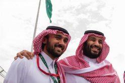 عبدالعزيز بن تركي الفيصل رجل درس السياسة .. و أحب الرياضة