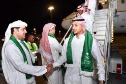 بالصور .. بعثة المنتخب الوطني تصل إلى الامارات