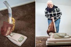 سيدة بريطانية تستخدم مكنسة كهربائية منذ 53 عاماً