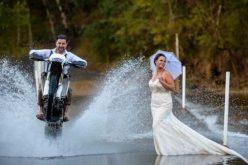 عروسين قررا أن تكون صور زفافهم هي الأغرب على الإطلاق !