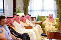 بالصور : أمير الرياض يستقبل لاعبي نادي النصر وأعضاء مجلس إدارته