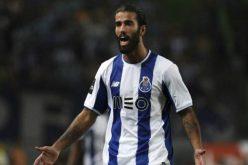 لوشيسكو مهتم بضم لاعب نادي بورتو البرتغالي لصفوف الهلال
