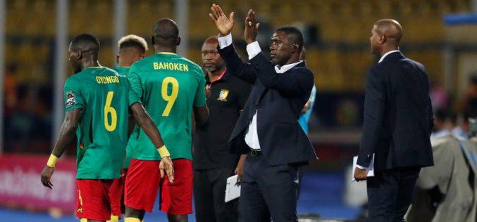 الاتحاد الكاميروني يقيل سيدروف من تدريب المنتخب