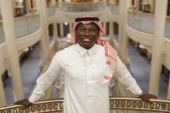 """غوميز يرتدي الزي السعودي و يعلق """"جمعة مباركة"""""""