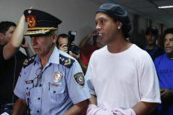 رونالدينيو يحتفل بعيد ميلاده في السجن