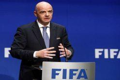 رئيس الفيفا : جميعنا نود أن نعود إلى كرة القدم لكن لا أحد يعرف متى يمكن استئناف اللعب