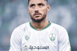 لاعب #الأهلي يوسف البلايلي يتبرع لعدة مستشفيات في الجزائر بمعدات طبية
